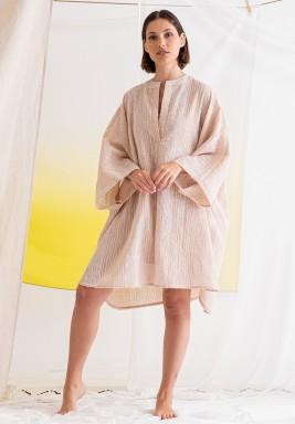 فستان وردي مخطط باكمام طويلة