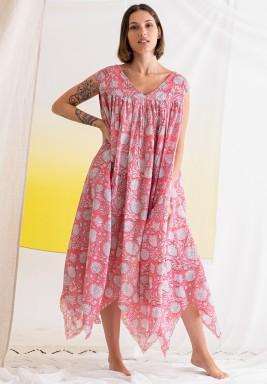 فستان وردي مطبوع متباين الطول