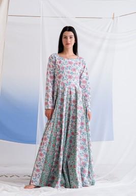 فستان مهاوي الوردي المطبوع بأكمام طويلة