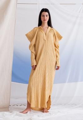 فستان أصفر بأكتاف باردة