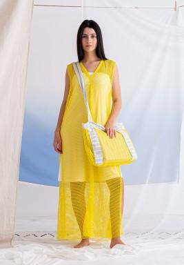 فستان أصفر مش بدون أكمام