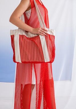 حقيبة شاطئ حمراء