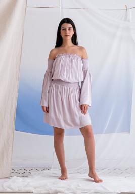 فستان وردي مكشوف الأكتاف قصير