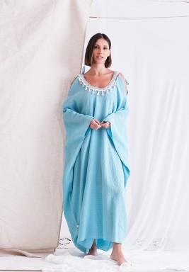 فستان أزرق فاتح بياقة شراشيب