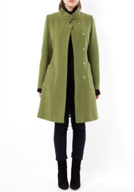 معطف صوف أخضر