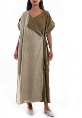 فستان زيتي وبيج بربطة جانبية