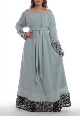 فستان بزة أخضر تيفاني بأكتاف مكشوفة