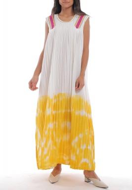 فستان أصفر وأبيض مصبوغ بكسرات