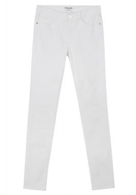 بنطلون جينز باللون الأبيض
