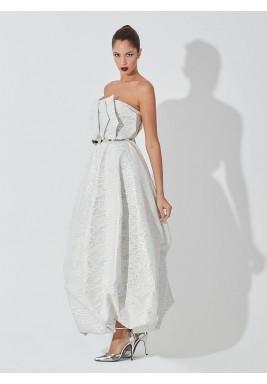 فستان أبيض ورمادي جاكار بدون أكمام