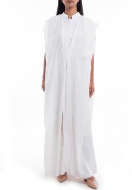 فستان أبيض بدون أكمام نمط رداء