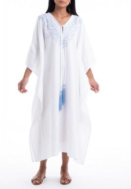 فستان كازبلانكا أبيض وأزرق مطرز