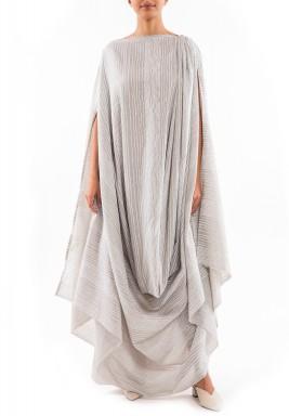 فستان رمادي مخطط بطويات