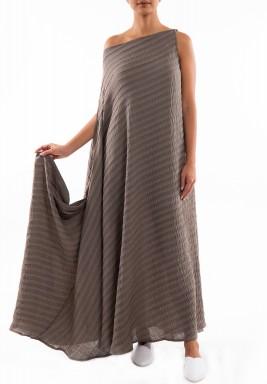 فستان رمادي داكن مخطط بتصميم غير متماثل