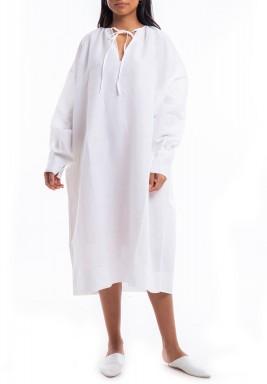فستان أبيض كتان متوسط الطول