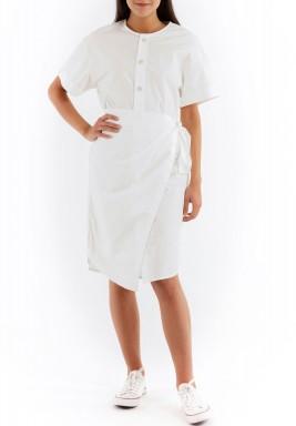 فستان قصير ملتف أبيض