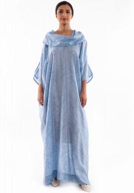 فستان أزرق حرير بياقة مطوية