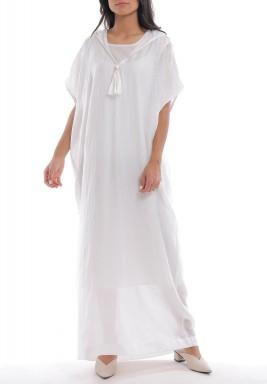 فستان أبيض بأكمام قصيرة بقبعة