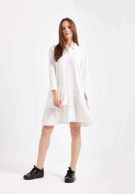 فستان أبيض بنمط قميص برفرفات
