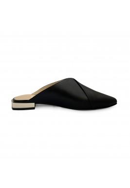 حذاء أسود جلد سادة بمقدمة مدببة