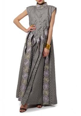 فستان بنمط متقاطع
