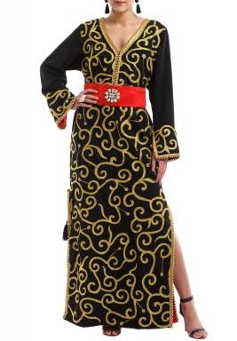 فستان أسود تطريز مع حزام أحمر شواروفسكي