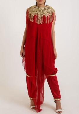 غندورة مغربية بالأحمر مطرزة بالذهبي