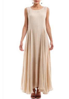 فستان بلا أكمام بيج