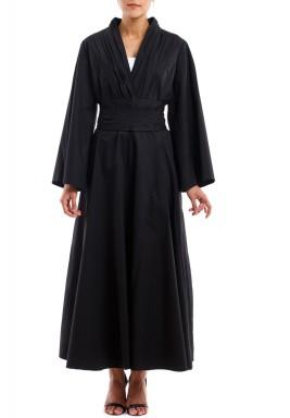 فستان بخط رقبة V أسود