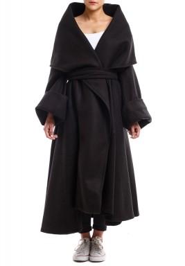 معطف ثقيل أسود
