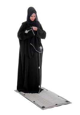 طقم صلاة كوفي الأسود مع حقيبة