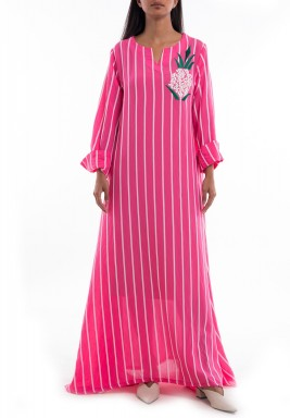 فستان وردي مخطط بتطريز أناناس