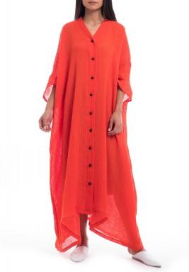 فستان أحمر فضفاض بأزرار