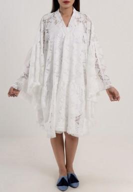 فستان دانتيل أبيض قصير