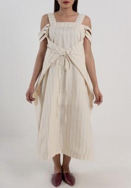 فستان مخطط بيج و ابيض