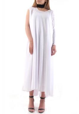 فستان أبيض بكم واحد طويل