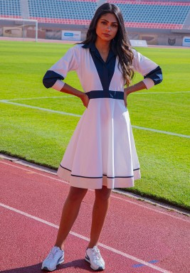فستان موناكو أبيض وكحلي بطول الركبة
