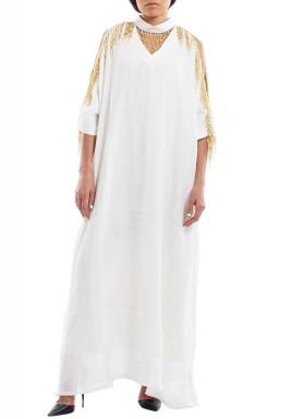 قفطان أبيض مزين بشراشيب الخرز الذهبي