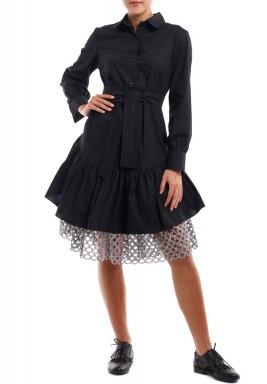 فستان أسود برفرفات وشبك فضي