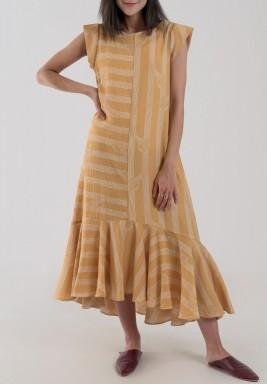 فستان بنمط متباين الطول لون خردلي