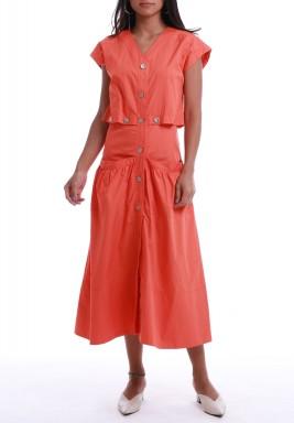 فستان برتقالي بأزرار وأكمام قصيرة