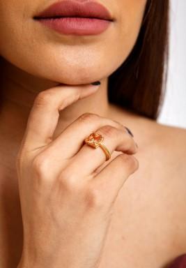 خاتم الزيرقون السويسري العسلي