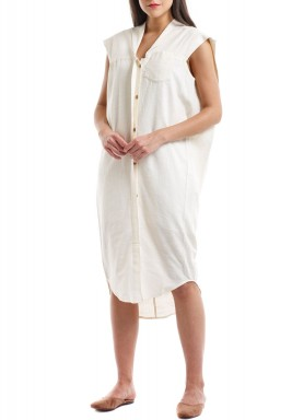 فستان أبيض بدون أكمام متوسط الطول