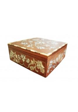 صندوق تخزين مربع