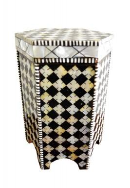 صندوق خشبي بطراز مغربي