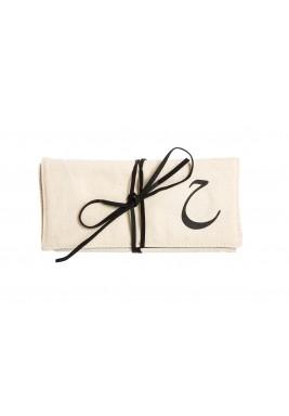 حقيبة مجوهرات حرف الحاء
