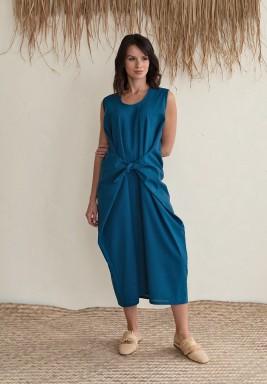 فستان أزرق برباط أمامي