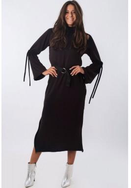 فستان اسود بسحاب جانبي
