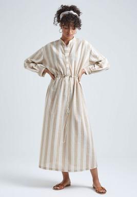 فستان بيج وأبيض مخطط كتان