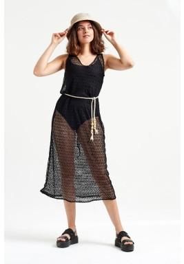 فستان أسود مش بدون أكمام